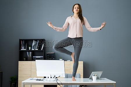 yoga meditation im buero