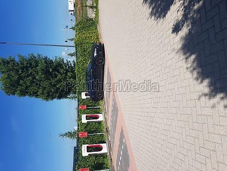 tesla ladestation in holland