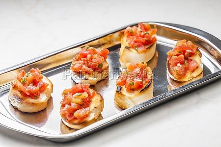 stillleben von tomaten bruschetes