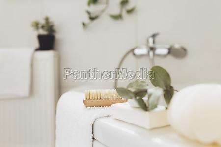waschbecken im badezimmer bad zubehoer haushalts