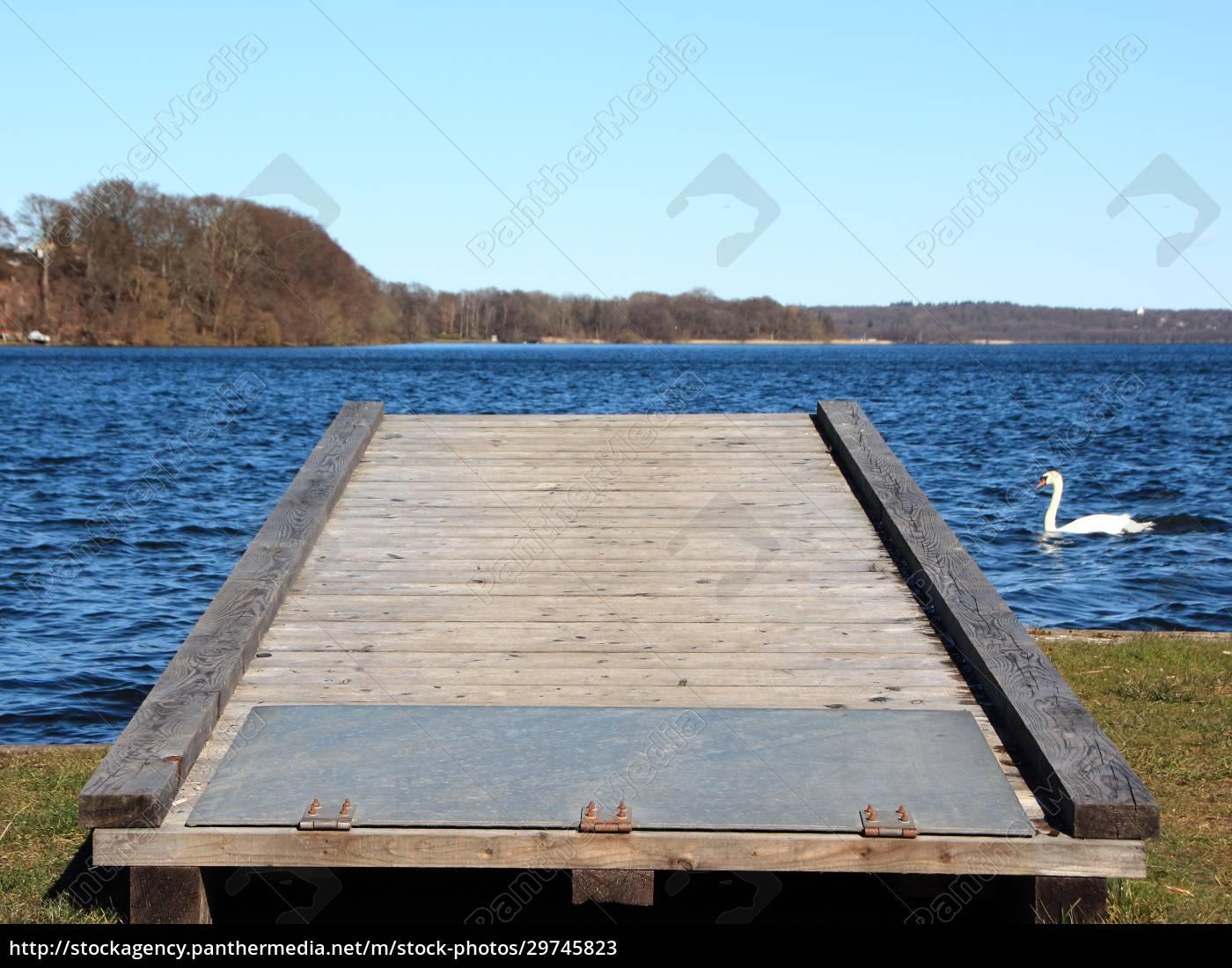 mobile, landing, pier, at, blue, lake - 29745823