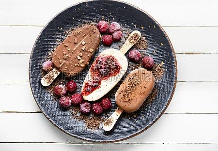 chocolate, ice, cream, on, a, stick - 29777995
