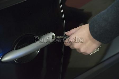 einen autoschluessel zum verriegeln und OEffnen