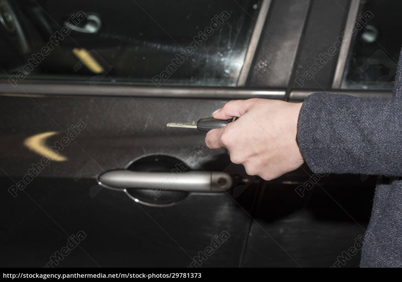 einen, autoschlüssel, zum, verriegeln, und, Öffnen - 29781373