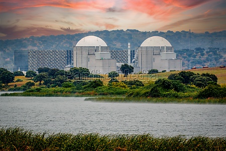 spanisches atomkraftwerk am fluss