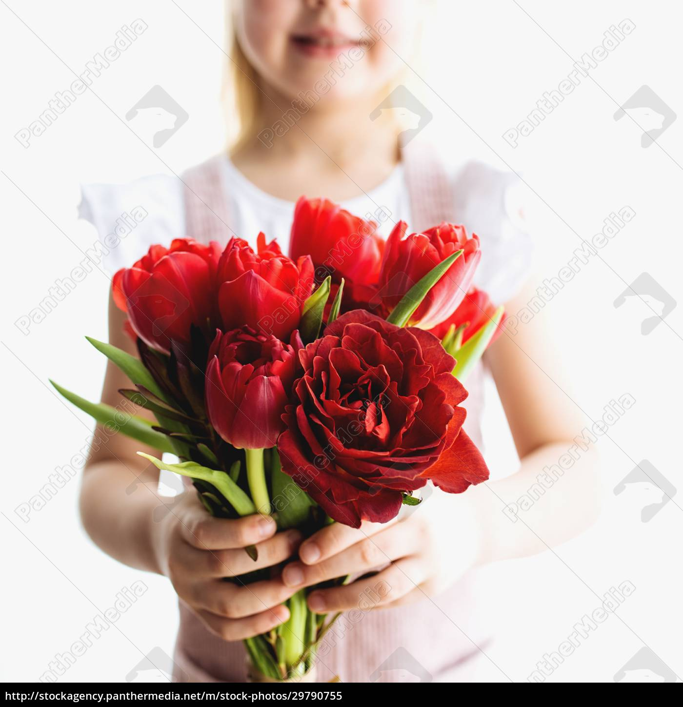 smiling, small, girl, holding, bouquet, of - 29790755