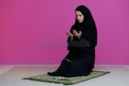 muslim, woman, namaz, praying, allah - 29802198
