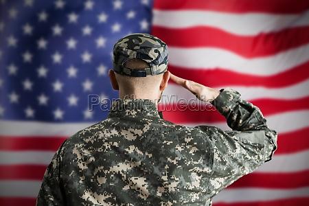 militaer us soldat gruessen flagge
