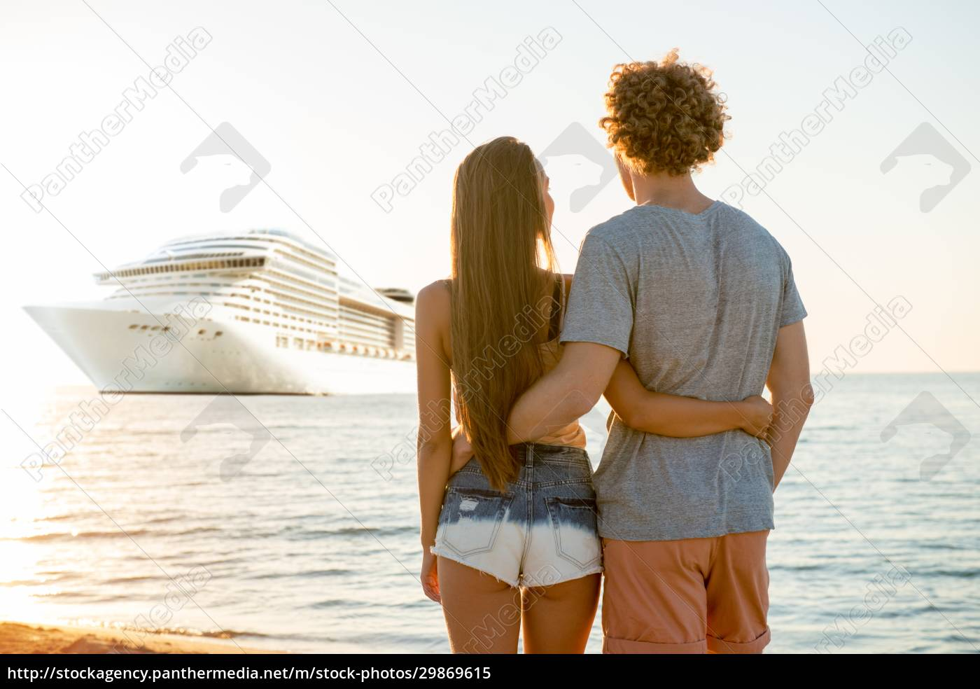 happy, smiling, couple, who, travel, by - 29869615