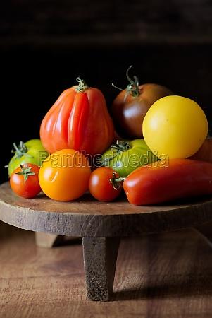 tomatenstillleben, mit, büffelherztomaten - 29892198