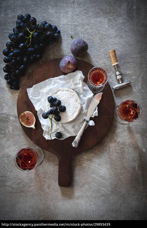 stillleben, mit, käse, wein, und, früchten - 29893439