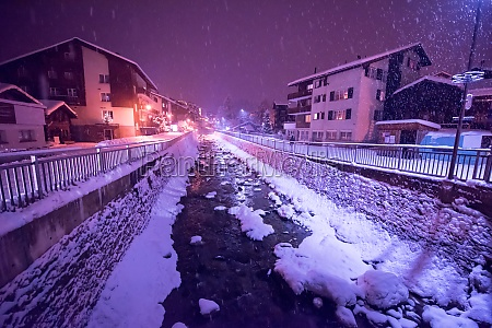 snowy, streets, of, the, alpine, mountain - 30005929