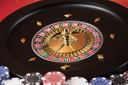roulette rad laeuft in einem casino