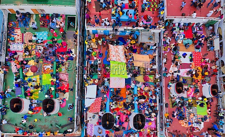 aerial, view, of, thousands, of, people - 30149825
