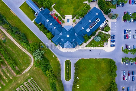 aerial, view, of, a, restaurant, building - 30153489