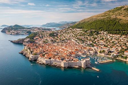 luftaufnahme, der, ummauerten, stadt, dubrovnik, dalmatien, kroatien. - 30153220