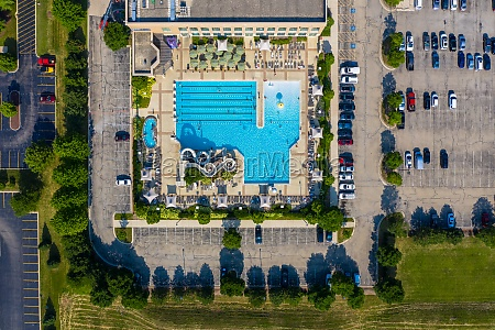 luftaufnahme, eines, schwimmbades, mit, rutsche, in - 30153500