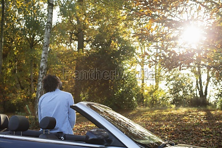 man, at, convertible, ins, sunny, autumn - 30219975