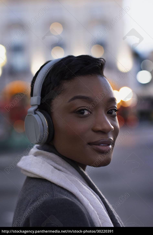 close, up, portrait, confident, young, woman - 30220391