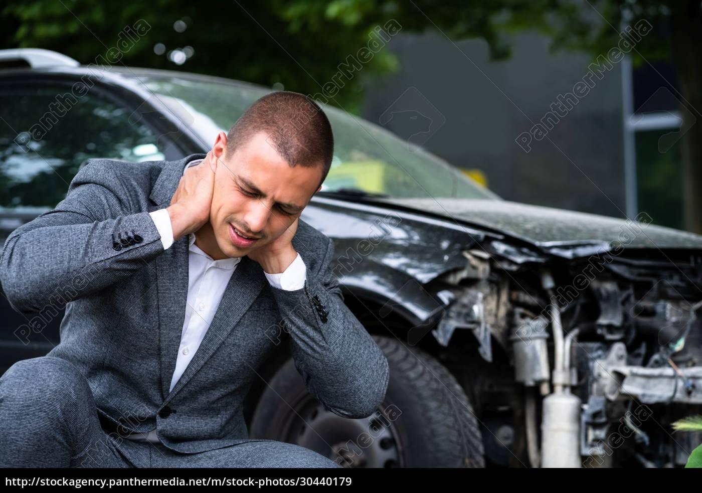 autoverletzung, schleudertrauma - 30440179