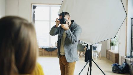 Fotografie, glücklich, Ausrüstung, Halten, Person, Schuss - B179648238