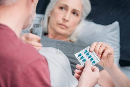 menschen gesundheit wohlbefinden familie krankheit medizin