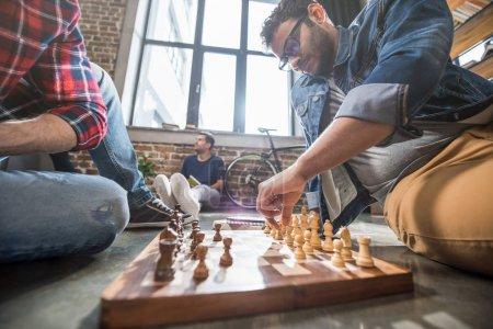 spiel wettkampf sitzung junge erwachsene leute