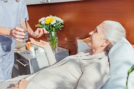 Glas, weiblich, Erwachsene, Menschen, Frauen, Wasser - B167647630
