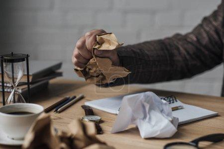 Objekte, Person, Menschen, zerknittert, Tasse, männlich - B184393054