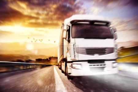 Unternehmen, Sonnenlicht, Sonne, Verkehr, Fahrzeug, Licht - B138321074