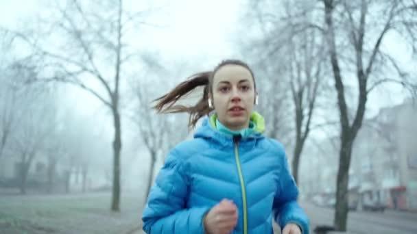 sport blau person saison maedchen weiblich