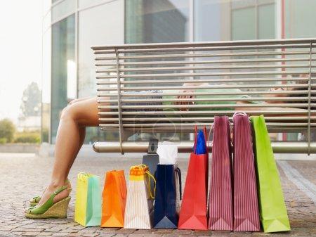horizontale einkaufen konsumdenken tasche geschenk gestalt