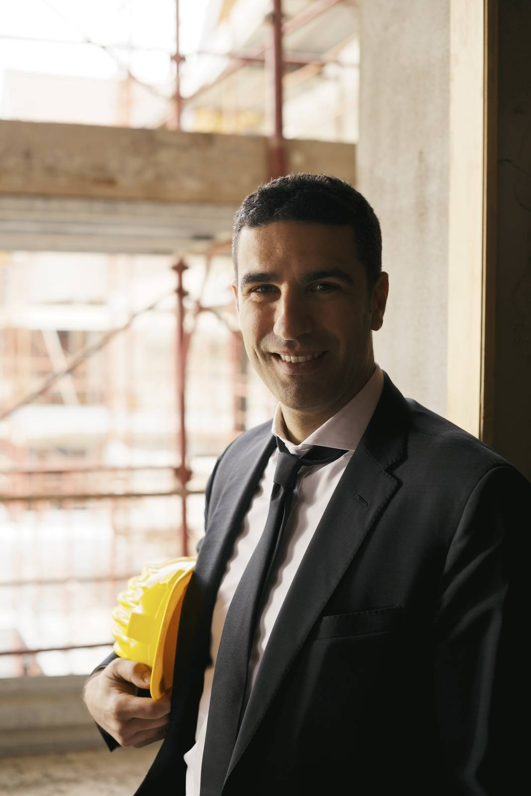 engineer, house, man, site, construction, smiling - D8445608
