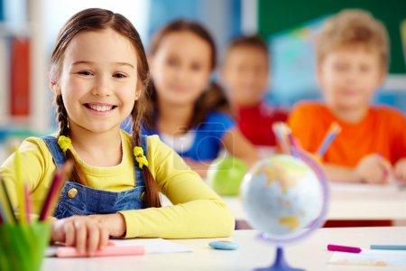 Im Vordergrund, Schwerpunkt, Person, Mädchen, Weiblich, Lächelnd - B24205837
