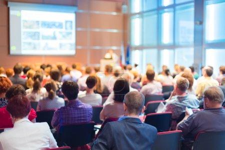 Gruppe, Veranstaltung, Unternehmen, sitzend, Menschen, männlich - B51650835