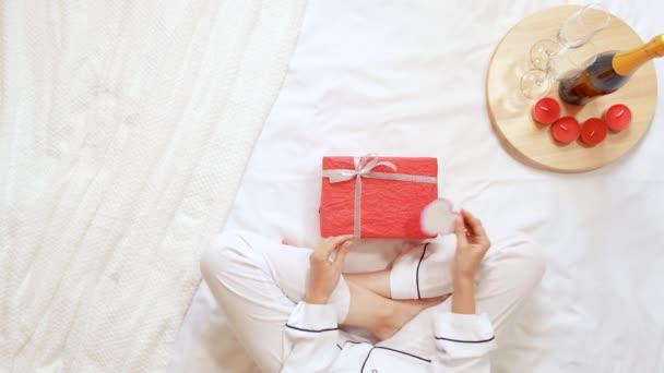 rot weiss ansehen geschenk box feier