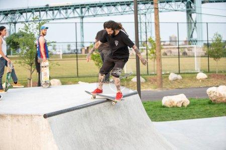 Sport, Freizeit, Aktivität, Spaß, Tag, Menschen - B390107334