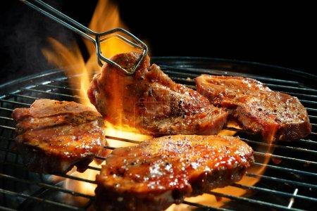 Partei, Sommer, im Freien, Rindfleisch, Fleisch, Lebensmittel - B418383556