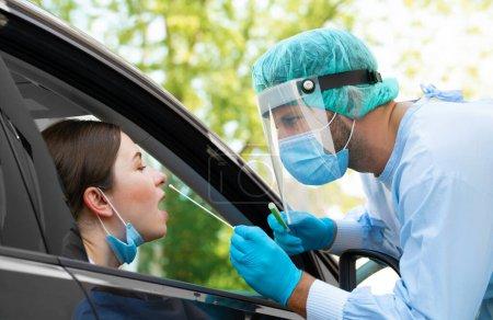 Menschen, Fahrzeug, Gesundheit, Gefahr, Schutz, medizinisch - B400905132