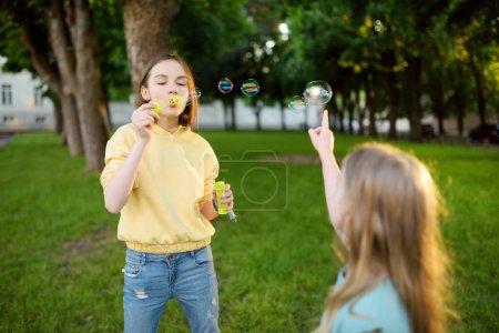 spiel freizeit aktivitaet spielen spass gluecklich