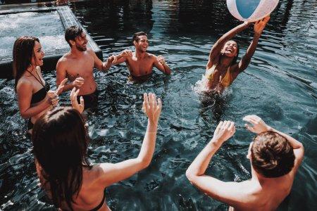 schwimmbad freizeit aktivitaet spass konzern ball