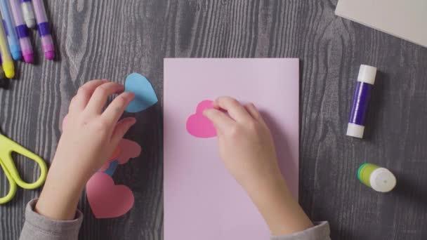 papier geschenk ereignis gluecklich urlaub closeup