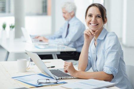 Computer, Am, Schön, glücklich, Unternehmen, weiblich - B78289332