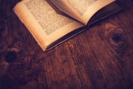tisch gelb objekt papier leer antik